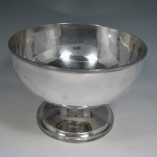Bowls In Antique Sterling Silver Bryan Douglas Antique
