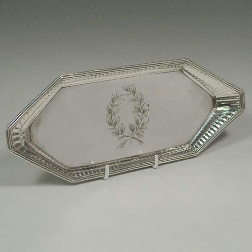 Antique Georgian sterling silver snuffer tray, made by Richard Kersill of London in 1792. Length 24.5 cms.