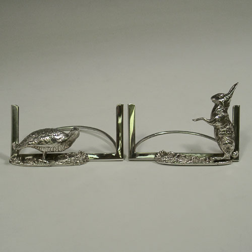 Antique Edwardian sterling silver pair of menu card holders with hare and pheasant figures, made by Grey and Co. of Birmingham in 1904.