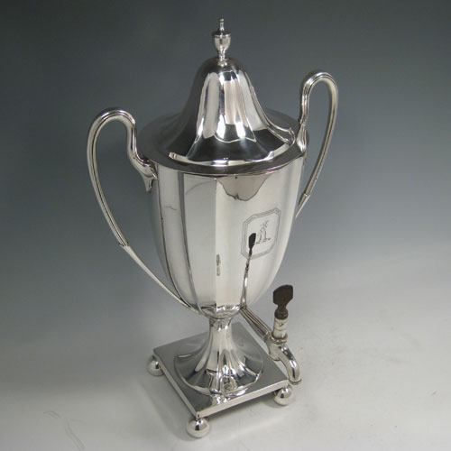 Antique Georgian sterling silver urn-style samovar with lift-off lid and spigot. Made by Charles Adams of London in 1790. Please note that there is no mechanism for heating, and the body is crested above the spigot. The dimensions of this sterling silver samovar are height 40 cms (15.75 inches), width 24 cms (9.5 inches). Weight approx. 48 troy ounces.
