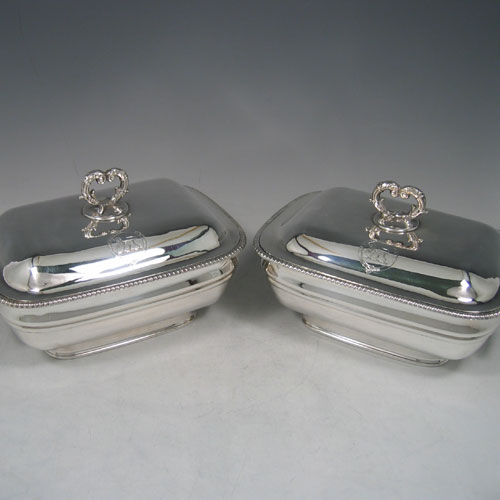 Antique Georgian Old Sheffield plated pair of early Regency style sauce tureens made in circa 1810. Length 19 cms, height 11 cms.